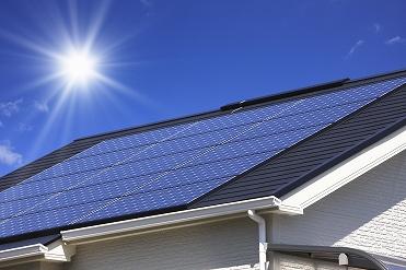 太陽光発電システム おススメ太陽光発電 太陽光発電システムとは? 太陽光発電とは屋根に太陽光パネ